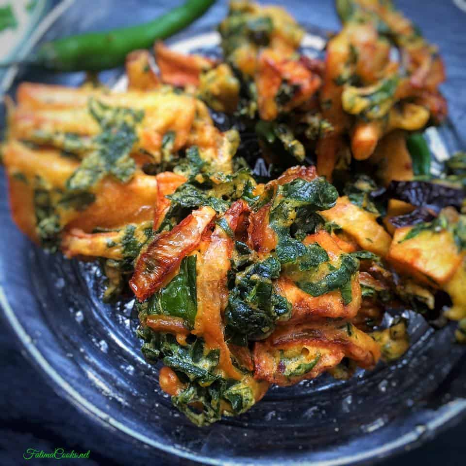 Vegetable Pakoras - A Ramadan classic! Quick, easy and DELICIOUS - recipe @ FatimaCooks.net