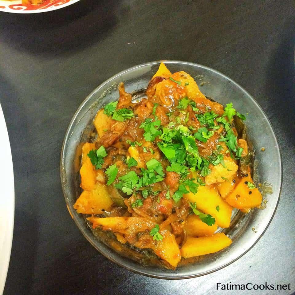 Achari / Achar Aloo Ki Bhujia - Pickled Potato Curry